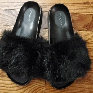 TOPSHOP SLIPPERS